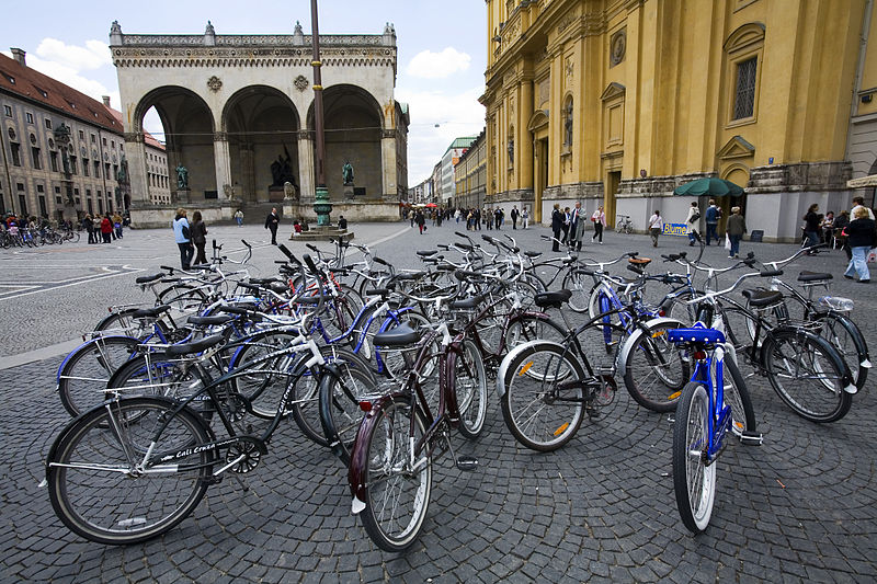 Munich is continuing to make the inner city more bike friendly, much to the chagrin of Mr. Mercedes and Ms. BMW!